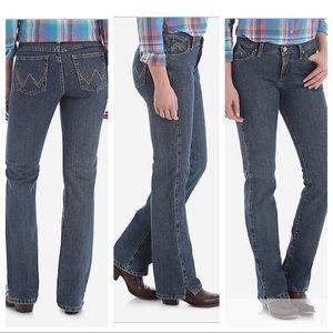 Wrangler Cash Cowgirl Cut Jeans NWT